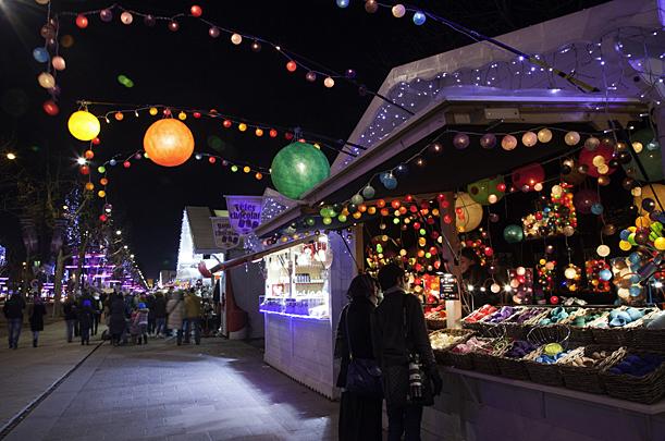 Avenue des Champs-Elysées, Paris Christmas Market